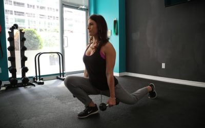 Discover 4 easy exercises to do at home